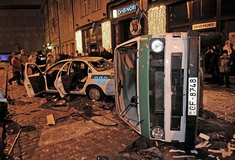 """Уличные беспорядки. На дворе """"просвещенный"""" XXI век"""