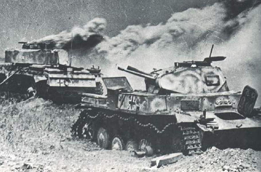 Горищие немецкие танки height=362