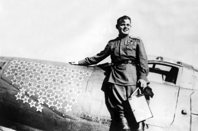 Советский летчик-ас Григорий Андреевич Речкалов height=365