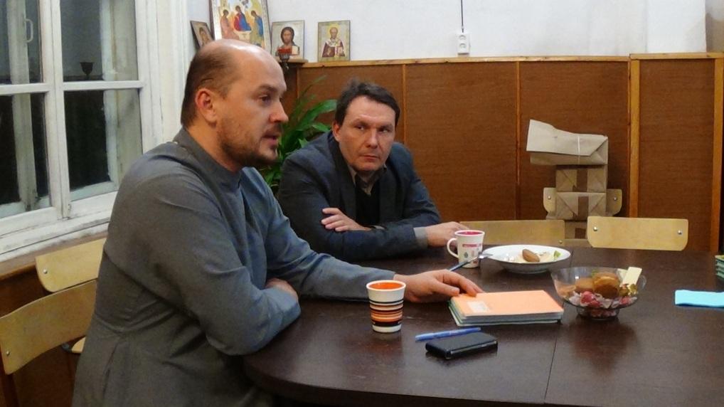 Протоиерей Сергий Домнин проводит семинар в Томске о молодежном церковном волонтерстве (08 ноября 2014 года)