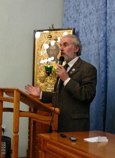 Профессор Александр Дворкин читает лекцию в Томской духовной семинарии (февраль 2012). Фото - Максим Степаненко