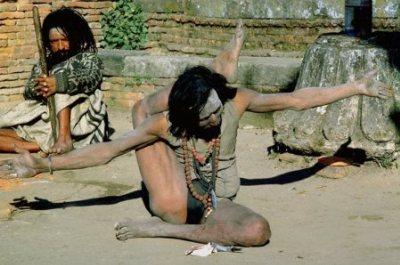 Йог. Индийская йога - что не сделаешь для белого варвара-туриста за доллар?!