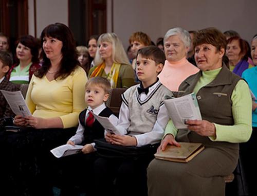 Свидетели Иеговы? Идилическая община?